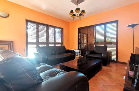 Furnished renting - House - flic-en-flac
